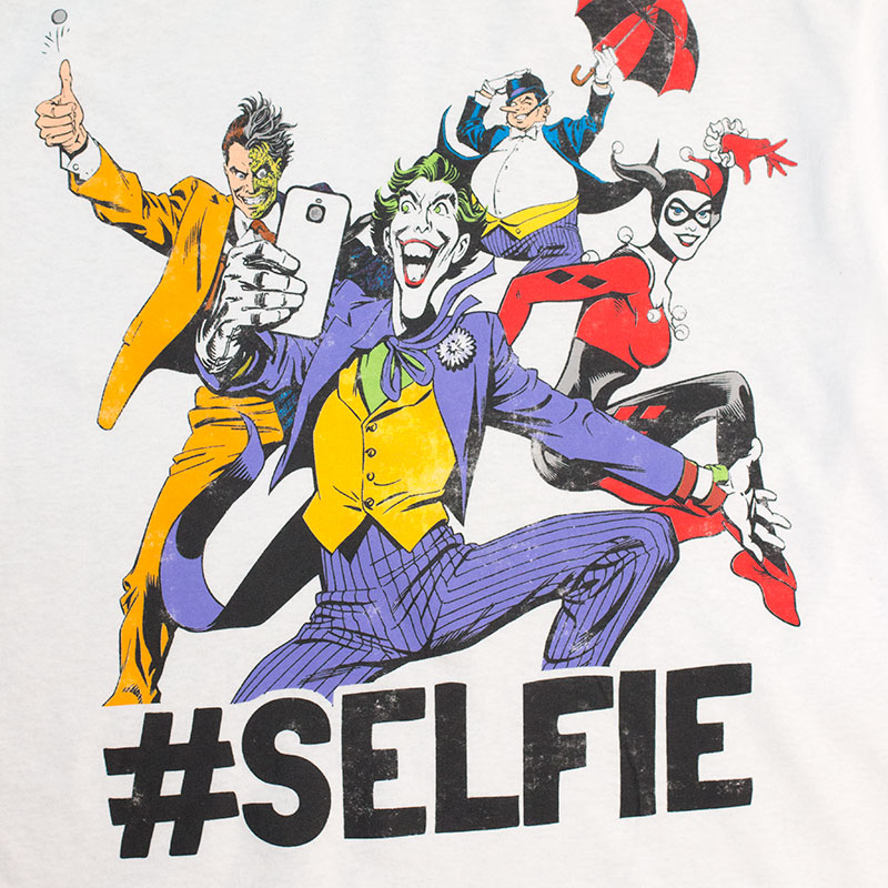 Batman Men's White Villains Selfie Tee Shirt