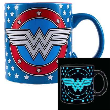 Wonder Woman Glow In The Dark Blue 20oz Mug