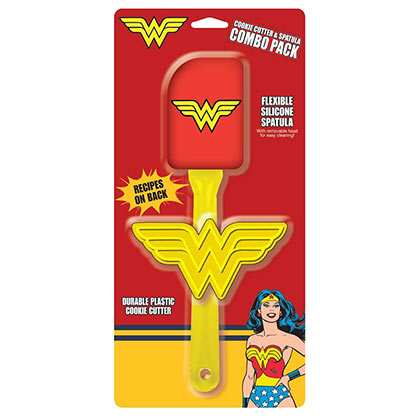 Wonder Woman Cookie Cutter & Spatula Cooking Set